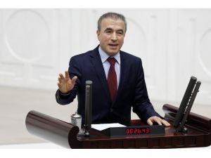 AK Partili vekilin 'Kaçak Saray'da oturan diktatör' sözü CHP'lilerden alkış aldı