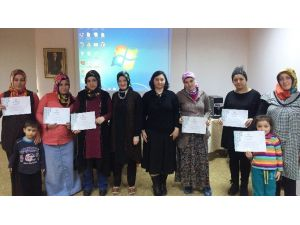 Pursaklar'da Anne Adayları Eğitildi