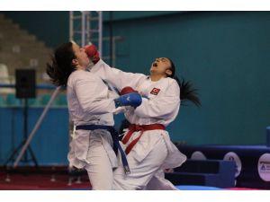 Balkan Karate Şampiyonası İstanbul'da başladı