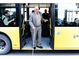 Kendisi gibi görme engellilere ders veriyor: Baston bizim gözümüz (Tematik)