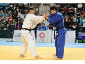 Manisa Büyükşehir'in Judocularından Önemli Başarı