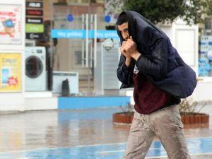 Bolu'da Yağmur Vatandaşları Hazırlıksız Yakaladı