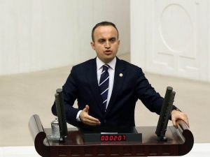 """AK Partili Turan: """"CHP'liler İyi Niyetli Olsalardı Deniz Gezmiş Asılmamış Olurdu"""""""
