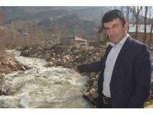 Su Debisi Yükseldi 86 Hanelik Köy Tehlikede