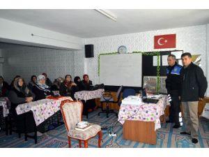 Bayındırlık Kız Kur'an Kursu'nda Bilgilendirme Toplantısı Yapıldı