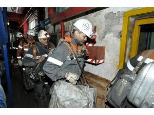 Rusya'daki maden kazasında mahsur kalan 26 madenci hayatını kaybetti