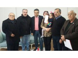 Kızılay'dan şehit ailesine taziye ziyareti