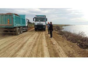 Gölmarmara'da Mahalle Yolları Düzenleniyor