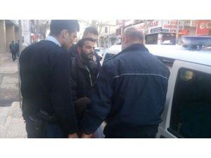 Çocuğunu Zorla Dilendirdiği İddia Edilen Suriyeli Şahıs Gözaltına Alındı