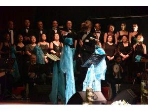 Asev Tsm Korosu 'Ödüllü Şarkılar'ı Seslendirdi
