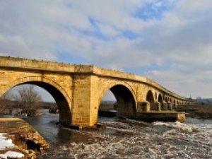 AFAD Ekiplerinin Kimyasal Atık Nedeniyle Giremediği Nehirde Korkunç Gerçek