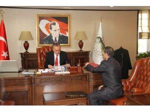 Vali Özdemir'e Anlamlı Ziyaret