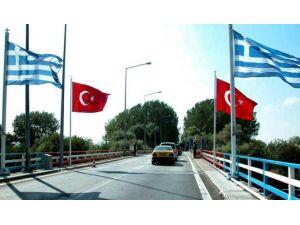 Yunanistan, 308 göçmeni Türkiye'ye iade ediyor
