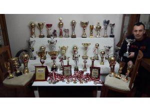 Bilardo Şampiyonu Destek Bekliyor