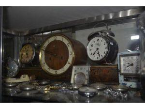 Evini Müzeye Çevirmek İçin Servet Harcadı