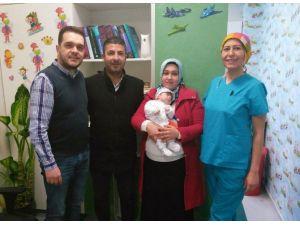 Medical Park'ta Bir Aylık Bebeğe Laparoskopik Mide Ameliyatı Yapıldı