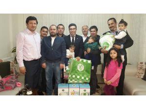 Aktif Eğitimsen Kozan temsilciliğinden bebeklere battaniye