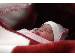 Asude Bebek Doğum Gününü 4 Yılda Bir Kutlayacak