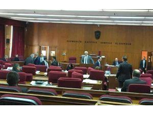 Kürtaj meselesi Kıbrıs'ta meclisi karıştırdı