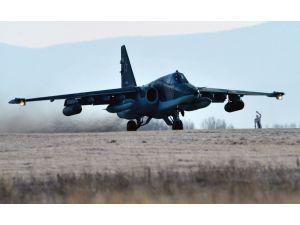 Rusya'da Su-25 savaş uçağı düştü, pilot hayatını kaybetti