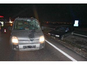 Kazada Yaralandı Karşıya Geçmeye Çalışırken Başka Araç Çarptı