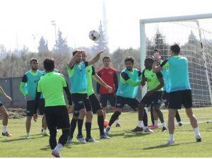 """Cihat Arslan: """"Galatasaray Karşısında İlk Hedefimiz Öne Geçmek"""""""