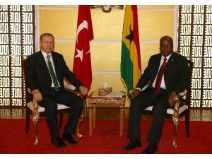 Cumhurbaşkanı Erdoğan, Gana Cumhurbaşkanı Mahama İle Görüştü