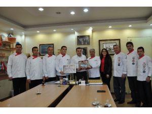 Aşçılardan Başkan Yücel'e Destek Teşekkürü