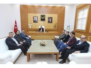 Başkan Zeki Toçoğlu, Trabzonlular Derneği Başkanı Yılmaz Öztürk'ü Ağırladı