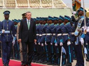 Cumhurbaşkanı Erdoğan'a Gana'da İlginç Karşılama