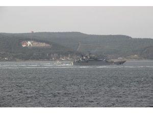 Rus Askeri Gemisi Çanakkale Boğazından Geçti