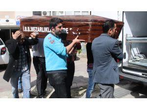 Sezen Aksu'nun annesinin cenazesi morga kaldırıldı