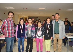Özel Osmanbey Koleji satranç müsabakalarında birinci oldu