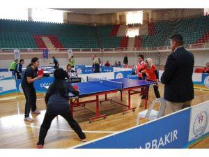 Diyarbakır'da Masa Tenisi Turnuvası