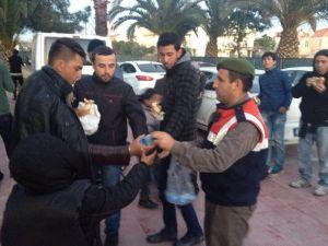 Dikili'de 46 kaçak yakalandı, 7 organizatör tutuklandı