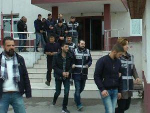 Balıkesir Polisi Bin 65 Kaçak Yakaladı