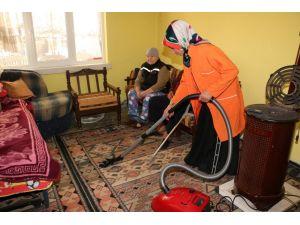 Belediye, 5 yılda 500 evin temizliğini yaptı