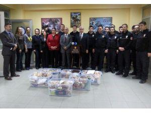 Polis Eşleri Şırnak'taki Polislere Yemek Gönderdi