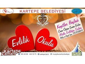 Kartepe'de Mutlu Evlilik Okulu Açılıyor