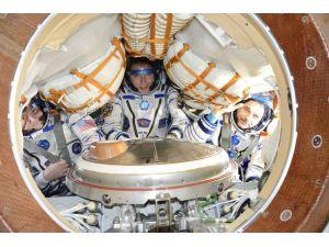 Uzay İstasyonu'ndaki kozmonotlar dünyaya dönmek için hazırlanıyor