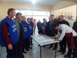 Türk-iş'ten İmza Kampanyası