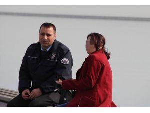 İntihar Etmek İsteyen Kadını Polis İkna Etti