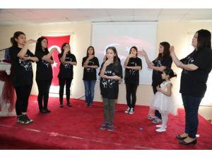 İşaret Dili İle İstiklal Marşı Duygulandırdı