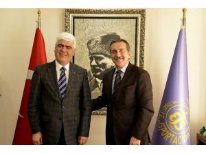 Başkan Ataç'dan Seyyar Tuhafiyeciler Ve İşportacılar Odasına Ziyaret