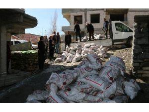 Hakkari'de 7 Bin 142 Aileye Kömür Yardımı Yapılacak
