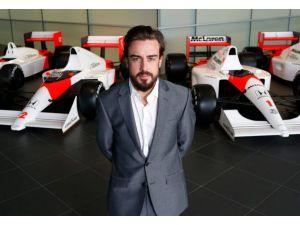 Bakü'de geçirilecek Formula 1 yarışmasının spor elçisi Fernando Alonso oldu