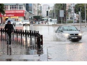Adana, Pazara Kadar Yağışlı