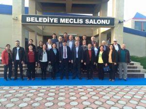 CHP Uşak İl Yönetimi, Belediye Meclisi Grubunu Ziyaret Etti