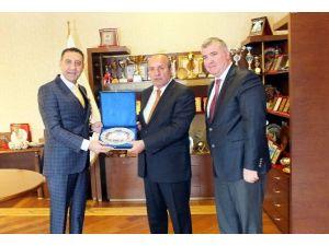 SGK Müdürü'nden Taşköprü Belediye Başkanı'na Teşekkür Plaketi