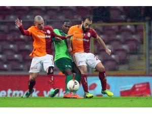 Galatasaray: 1 - Akhisar Belediyespor: 1